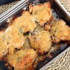 Sento il profumo del pollo al parmigiano che viene dalla cucina. L'ho preparato per cena e non vedo l'ora di assaggiarlo.