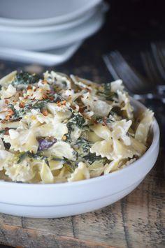 15 Minute Creamy Spinach Artichoke Pasta