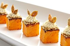 Butternut Squash, Maple Goat Cheese, Pumpkin Seeds Hors d'oeuvres (c/o Greg Powers Photography)Roasted Butternut Squash, Maple Goat Cheese, Pumpkin Seeds Hors d'oeuvres (c/o Greg Powers Photography) Appetizers For Party, Appetizer Recipes, Cheese Pumpkin, Vegan Pumpkin, Roasted Butternut Squash, Appetisers, Creative Food, Food Plating, Finger Foods