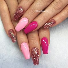 Nail art Christmas - the festive spirit on the nails. Over 70 creative ideas and tutorials - My Nails Hot Pink Nails, Pink Nail Art, Cute Acrylic Nails, Pink Glitter Nails, Pink Nail Designs, Acrylic Nail Designs, Nails Design, Winter Nail Art, Winter Nails