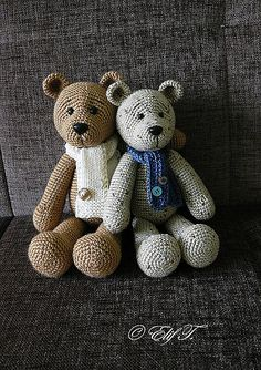 UPDATE: Probably the best teddy bear pattern Ravelry: Teddy pattern by Elif T. Knit Or Crochet, Cute Crochet, Crochet For Kids, Crochet Crafts, Crochet Dolls, Crocheted Toys, Knitting Projects, Crochet Projects, Sewing Projects