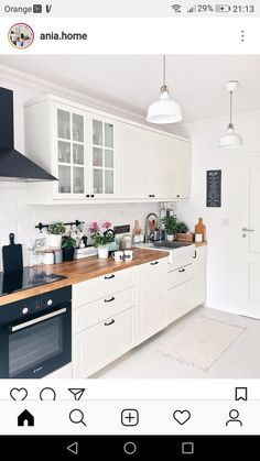 Wonderful No Cost inexpensive Kitchen Countertops Popular Kitchen Countertops set the tone for your kitchen, so choose materials and a look that not merely re Apartment Kitchen, Home Decor Kitchen, Interior Design Kitchen, New Kitchen, Home Kitchens, Cherry Kitchen, Kitchen Ideas, Small Kitchens, Square Kitchen