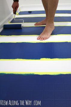 YES! You can paint vinyl/laminate floors! Come see how!