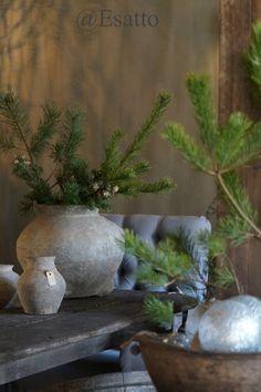 Vandaag een blogje vol inspiratie     om je huis in winterse of kerstsfeer te brengen!     De showroom is weer gerestyled,     dus kijk...