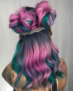 36 Stylish Hair Color Ideas In 2019 - Haarfarben Ideen Bright Hair Colors, Hair Dye Colors, Hair Color Blue, Cool Hair Color, Rainbow Hair Colors, Unique Hair Color, Unique Hairstyles, Bun Hairstyles, Pretty Hairstyles