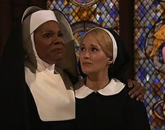 """""""Hold it together, Underwood!"""" Audra McDonald The Sound of Music Live"""