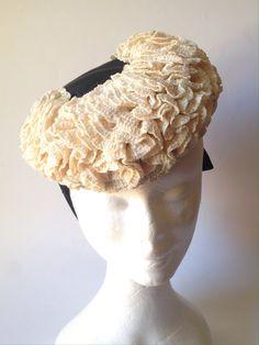 Fabric Crown, Betty Davis, 1930s Style, Vintage Buttons, How To Make Bows, Black Cream, Tilt, Grosgrain Ribbon, 1940s