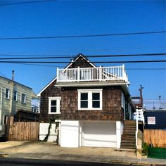 The Jersey Shore house....  awesome.