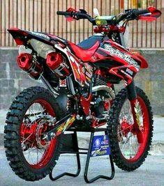 Ktm Dirt Bikes, Honda Dirt Bike, Cool Dirt Bikes, Dirt Bike Gear, Dirt Bike Racing, Mx Bikes, Dirt Biking, Auto Racing, Motocross Love
