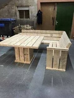 Pallet corner table and bench
