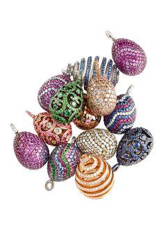 Os ovos Fabergé são obras-primas da joalharia produzidas por Peter Carl Fabergé…