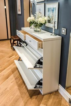 shoe cabinet Finest living room cabinets built in only in shopy home design Living Room Cabinets, Living Room Storage, Living Room Decor, Shoe Cabinet Design, Shoe Storage Cabinet, Shoe Cabinet Entryway, Entryway Shoe Storage, Foyer Design, House Design