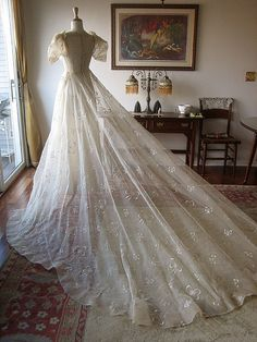 Authentic All Needle Lace Tea Tone Wedding Dress Bridal Gown Vintage Antique WOW. Not in love with the bodice or sleeves but THAT TRAIN!