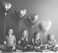 Cute: I wish I would have thought of something similar for Valentine's! So sweet. - Cute: I wish I would have thought of something similar for Valentine's! So sweet. Valentine Mini Session, Valentine Picture, Valentines Day Pictures, Kinder Valentines, Be My Valentine, Valentine Cards, Happy Hearts Day, Foto Baby, Heart Day
