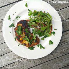 Low Carb Rezept für leckere Low-Carb Blumenkohl-Schnitzel. Wenig Kohlenhydrate und einfach zum Nachkochen. Super für Diät/zum Abnehmen.