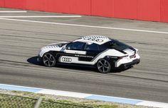 Pour démontrer la fiabilité de la voiture autonome, Audi a lancé une RS7 sans conducteur sur le circuit de Hockenheim, en marge du championnat DTM.