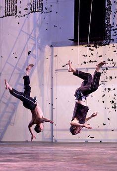 Sasha Waltz - Dido and Aeneas  Flying men