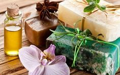 How do you make homemade soap, how do you make homemade liquid soap, how can you make your own soap? how do you make herbal soap? The custom soap boxes for your homemade soaps are available online and will be delivered to your doorstep within a few days. Diy Shampoo, Shampoo Bar, Natural Shampoo, Natural Hair Care, Natural Soaps, Natural Products, Mousse, Small Business Trends, Business News