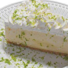 Torta Ice Lemon: Finíssima massa de biscoito, creme de chocolate branco com limão e cobertura de suspiros de chantilly com raspas de limão.  #love #DiNorma #instagood #photooftheday
