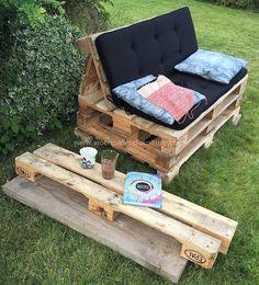 60 Awesome DIY Pallet Garden Bench and Storage Design Ideas - doityourzelf Pallet Garden Benches, Pallet Dining Table, Pallet Garden Furniture, Pallet Tables, Pallet Gardening, Urban Gardening, Wood Table, Bedroom Furniture, Pallet Seating