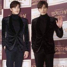 "Sung Hoon obtained the KBS Award  ""Best New Actor Award"" Congratulations! :-)  http://m.blog.naver.com/tummeng/220900263902 성훈이 31일 'kbs 연기대상' 시상식 레드카펫이 진행된 서울 영등포구 여의도공원로 kbs홀에서 포즈를 취하..."