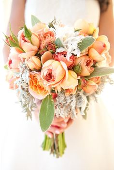 Orange rose, ranunculus, and peony bouquet ///// Photo by Melanie Duerkopp via Project Wedding