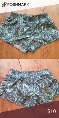Floral MPG athletic shorts Cute ruffley pair of MPG athletic shorts. They have a draw string waist and pockets. Uber cute for going on runs or working out at the gym! Only worn 2xs. MPG Shorts