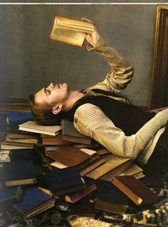 Bibliophile. Hayden Christensen by Mark Seliger for L'Uomo Vogue, March 2008.