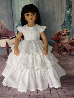 20 pouces poupée rétro à volants robe. Convient à des poupées Maru et amis. Voille pointillé blanc.