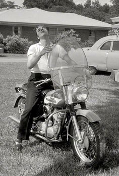 Elvis on his H.D.