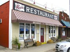 Rosie's-New Buffalo, MI. Quite possibly the fastest place to get breakfast.