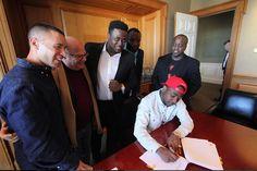 Confirmed-Davido inks Million dollar deal with Sony Music www.splashz.com