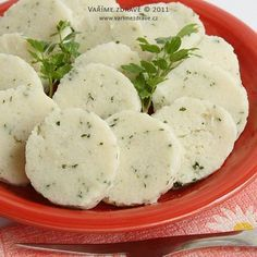Rice dumplings, non-fat! O_o (recipe in Czech) Foods With Gluten, Gluten Free Desserts, Gluten Free Recipes, Czech Recipes, Ethnic Recipes, Bread And Pastries, Polish Recipes, Keto Bread, Main Meals