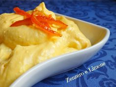 Questa morbida crema di arancia è perfetta per farcire torte semplici e pan di spagna. Una crema consistente essendo preparata con la ricotta