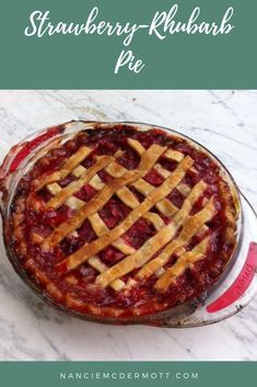 Strawberry-Rhubarb Pie Best Comfort Food, Comfort Foods, Rubarb Pie, 1950s Food, Strawberry Rhubarb Pie, Jello Recipes, Yummy Food, Delicious Recipes, Vintage Recipes