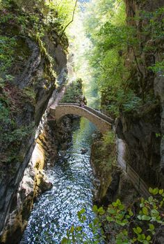 Easy walk through the Areuse gorge takes you through forests and meadows along the river, with several narrow sections with dramatic cliff walls and waterfalls. A little long at but still suitable for families. Near Neuchâtel Switzerland. Places To Travel, Places To See, Travel Destinations, Zermatt, Travel Aesthetic, Travel Around The World, Around The Worlds, Beautiful Landscapes, Nature Photography