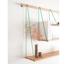 シンプルに吊るす、自由度が高い棚 | roomie(ルーミー)
