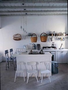 Paola Navone's summer refuge on the Greek island of Serifos (a feature in Elle Decoration, August 2010 White Kitchen Cabinets, Kitchen Dining, Kitchen Decor, Kitchen Storage, Decorating Kitchen, Design Kitchen, Kitchen Island, Exotic Homes, Paola Navone