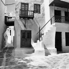 Ελλάδα Μύκονος 1965 φωτογραφία Konrad Helbig Old Time Photos, Old Pictures, Mykonos, Greece, Black And White, Artwork, Nostalgia, Photographs, Travel