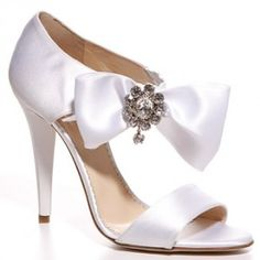 If I do wear a short dress at reception,  I would want a heel like this. So cute! Don't nomally care for bows, but love these shoes. (wouldn't be worth it though if wearing long dress only)