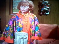 Up to something Endora Bewitched, Bewitched Cast, Agnes Moorehead, It Cast, Classy, Characters, Actresses, Elegant, Beautiful