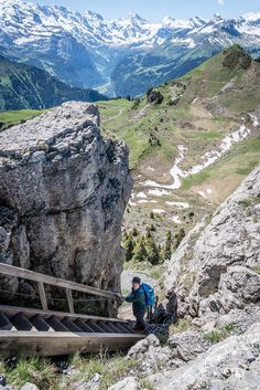 Swiss Mountains - Hiking in the beautiful Berner Oberland in the Jungfrau Region at Schynige Platte Cool Places To Visit, Places To Travel, Easy Jet, Road Trip, Mountain Hiking, Swiss Alps, Solo Travel, Adventure Travel, Trekking