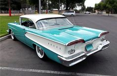 More vintage cars, hot rods, and kustoms Old Classic Cars, Classic Trucks, Ford Motor Company, Us Cars, Sport Cars, Edsel Ford, Ford Lincoln Mercury, Vintage Trucks, Vintage Auto