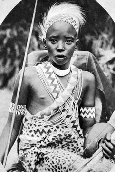 """Africa   """"Le Roi de L'Urundi""""    Scanned old postcard; published Mission of the White Fathers"""