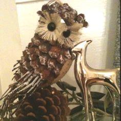 Owl Pinecone ornament. So cute!