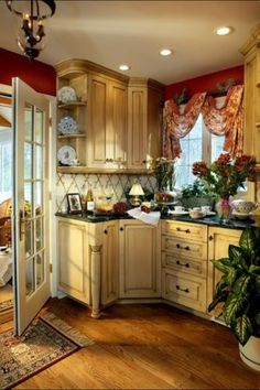 French country style kitchen design has an old world appeal that will make your . - French country style kitchen design has an old world appeal that will make your kitchen stand out. Home Kitchens, Kitchen Design, Country Kitchen Decor, Chic Kitchen, Country Style Kitchen, French Country Kitchens, Country Kitchen Designs, Home Decor, French Country Kitchen