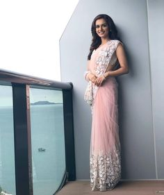 Miss World 2017 Manushi Chillar Pics. Indian model and beauty pageant holder Manushi Chhillar was crowned Miss World 2017 on November Indian Wedding Outfits, Indian Outfits, Indian Clothes, Indian Attire, Indian Wear, Estilo India, Sarees For Girls, Saree Trends, Stylish Sarees