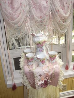 Rose Chocolate Set...Devine...also balloon curtains,dripping with beads,,love it