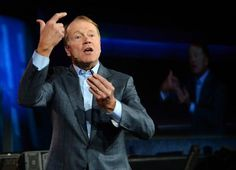 Cisco chief executive John Chambers has complained to US President Barack Obama about the National Security Agency's spying practices, saying they were harming overseas business for US tech firms.