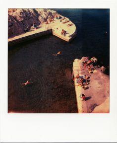 Vallon des Auffes #Marseille #VallondesAuffes #mer #baignade #farniente #étéindien #polaroid / www.marseillepolaroid2013.com